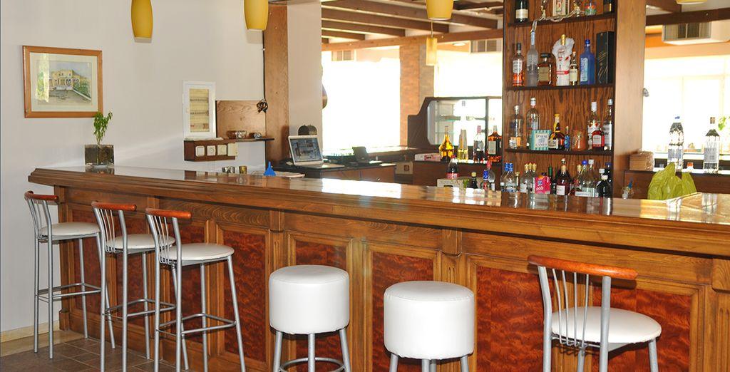 Concedetevi una piacevole pausa presso il bar dell'hotel