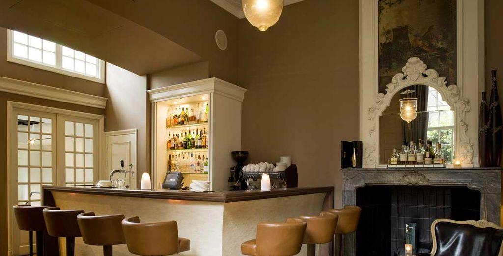 Gustate le atmosfere preziose del Bar Barbou