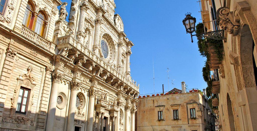 Visitate la vicina città di Lecce, in tutto il suo fascino barocco