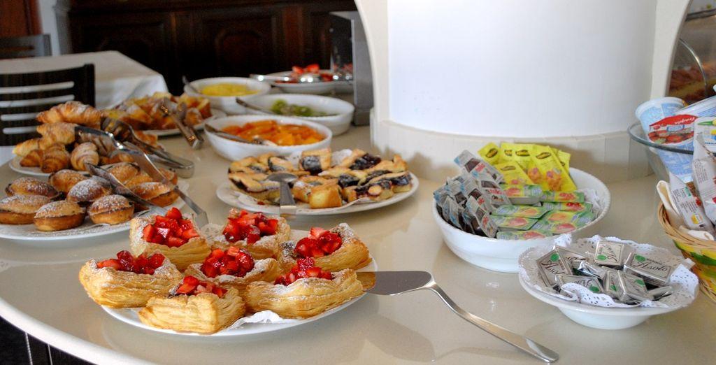 Iniziate la giornata con una ricca prima colazione a buffet