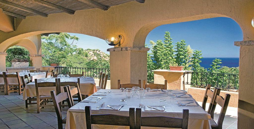 E le deliziose proposte di cucina mediterranea del ristorante