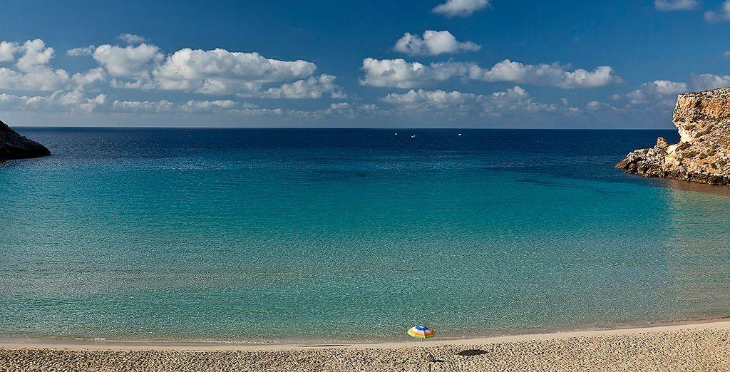Nelle più belle spiagge dell'isola