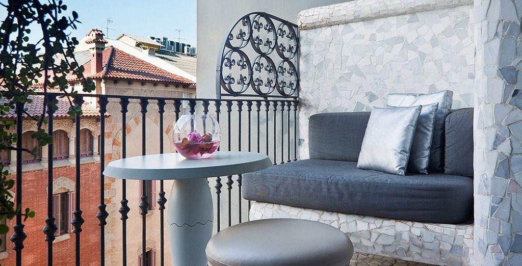e di un terrazzo dove rilassarvi lo sole