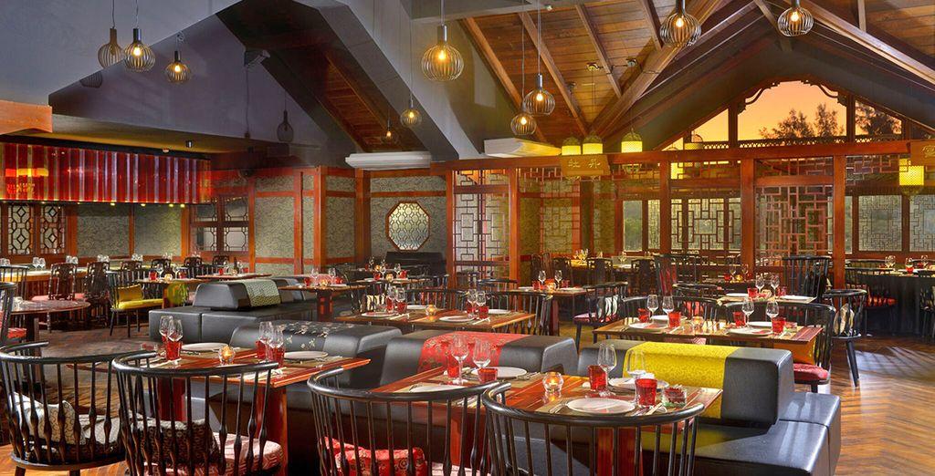 Godrete di un'autentica cena Teppanyaki grazie agli chef asiatici