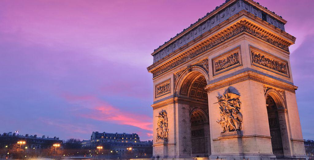 L'arco di Trionfo e gli Champs Elyseè sono l'ideale per una giornata di shopping