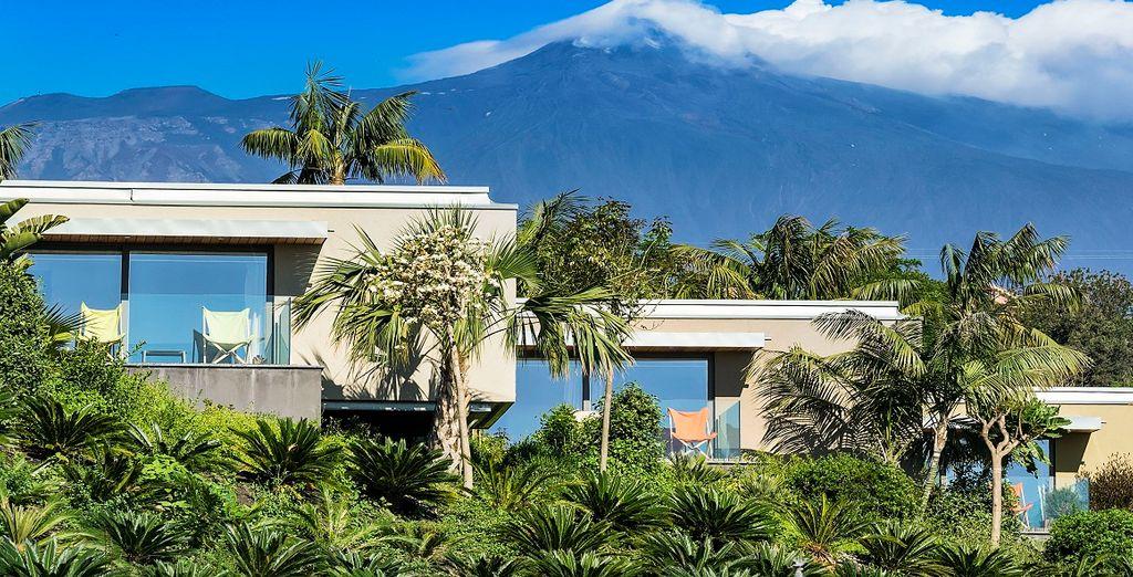 Una struttura immersa nel verde ai piedi dell'Etna