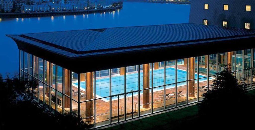 A vostra disposizione il centro benessere con piscina al coperto, sauna e vasche idromassaggio