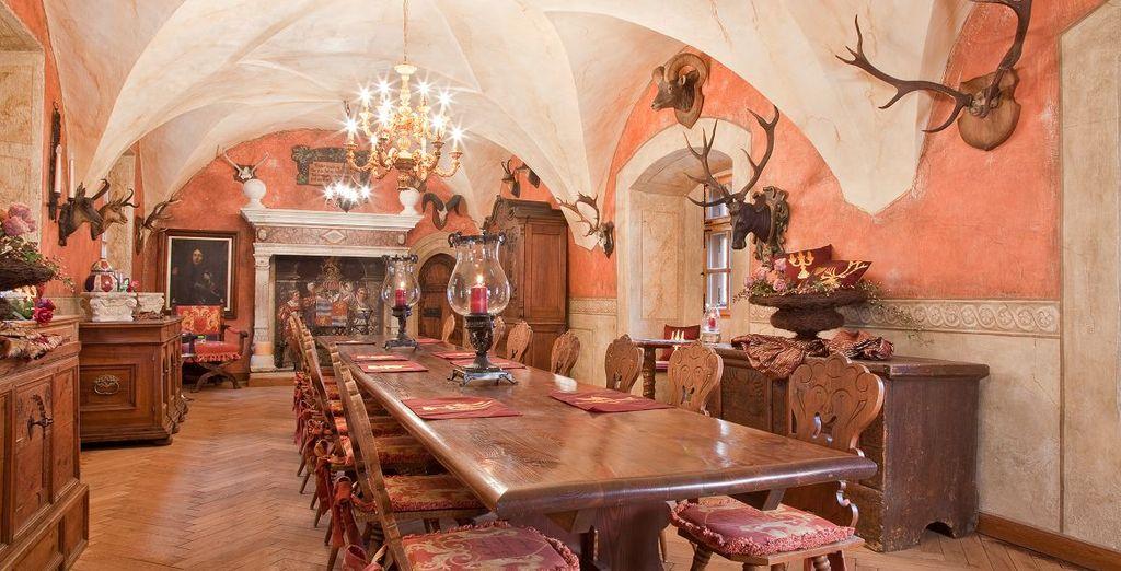 Al ristorante gusterete ottimi piattin in un ambiente raffinato e dall'atmosfera accogliente