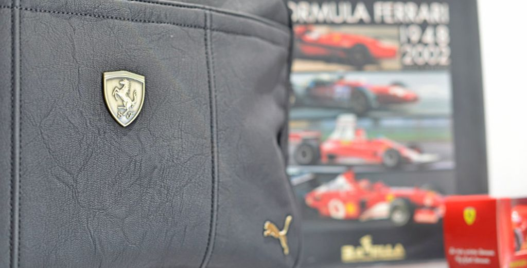 Nella hall dell'hotel troverete uno store con prodotti delle migliori case automobilistiche della Motor Valley, quali Ferrari e Lamborghini