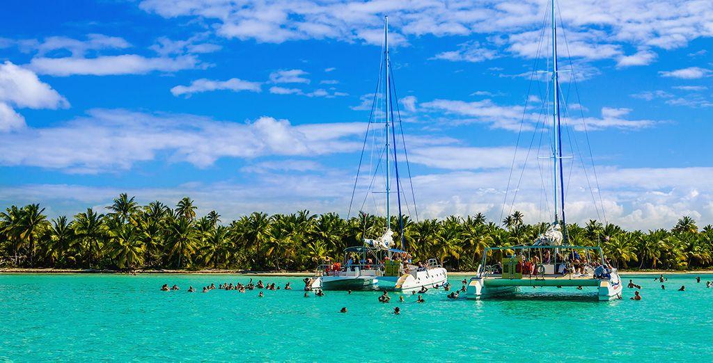 ed in opzione la possibilità di vivere un'esperienza unica alla scoperta delle isole di Cerfs in catamarano