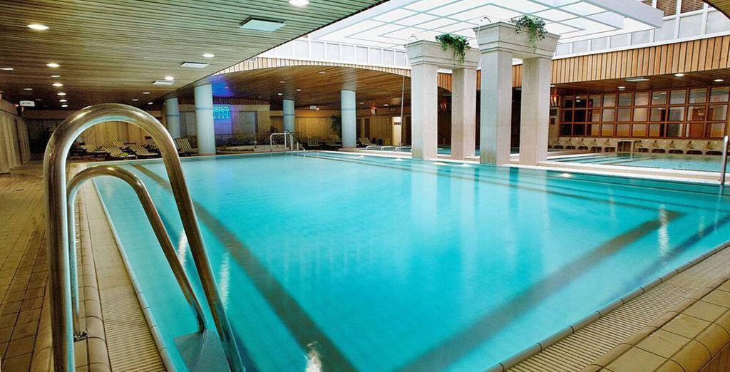 Per momenti di puro benessere fate un tuffo in una  delle piscine dell'hotel