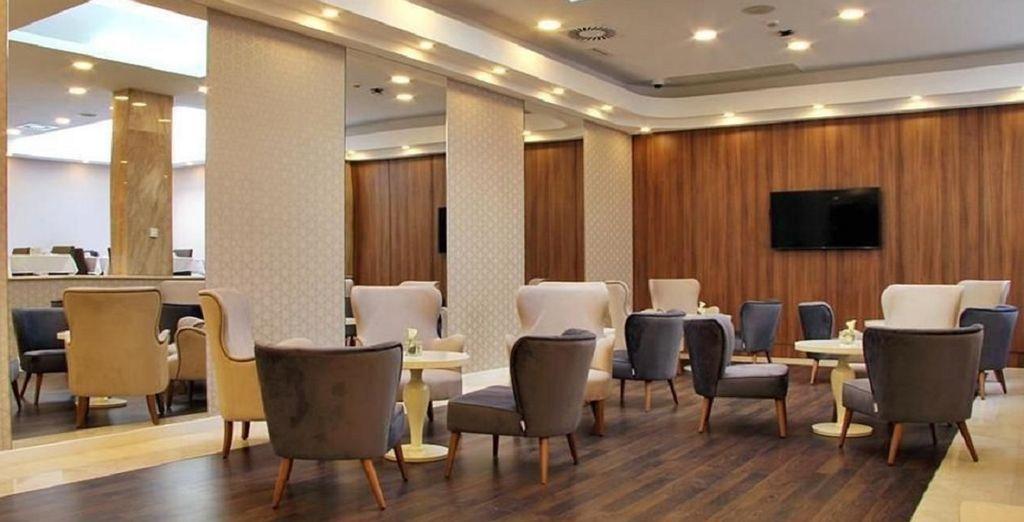 Iniziate la giornata con una ricca e sana colazione presso il bar dell'hotel