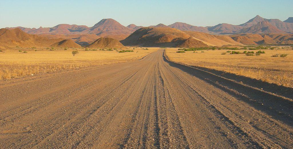 Si prosegue per la regione del Damaraland attraverso paesaggi suggestivi