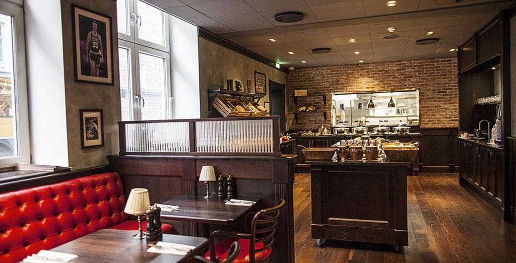 l'hotel è conosciuto anche per il suo ristorante, il Boston Grill