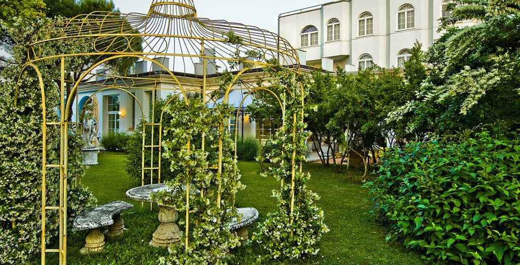 o passeggiate nello splendido giardino