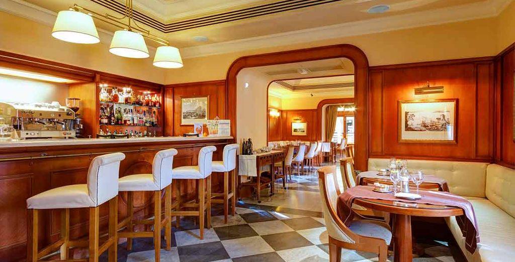 Hotel a quattro stelle lusso con ristorante gourmet e cucina raffinata