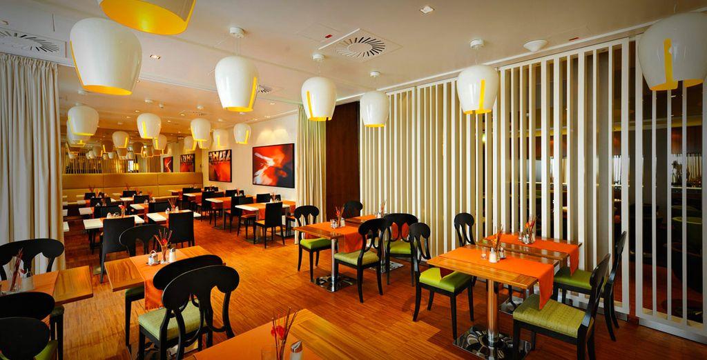 Il ristorante dell'hotel vi aspetta per deliziarvi con specialità della cucina internazionale