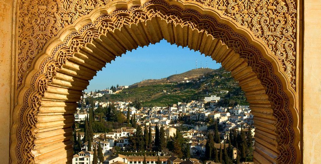 Impossibile non fare un visita alla celebre Alhambra, simbolo storico di Granada