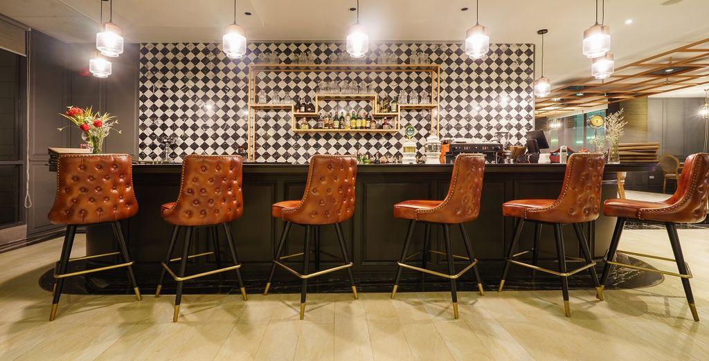 o al Twist Bar & Bistro