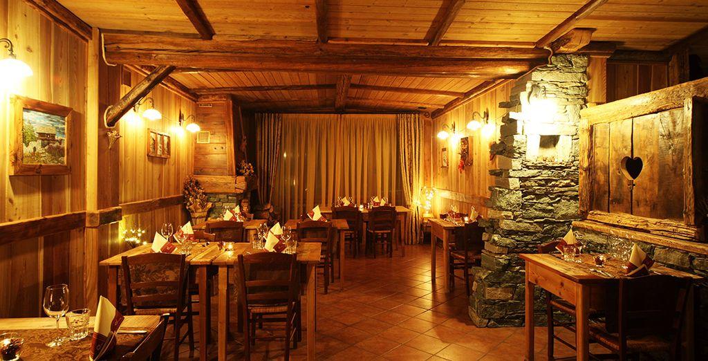 Il ristorante vi accoglie con la sua atmosfera calda