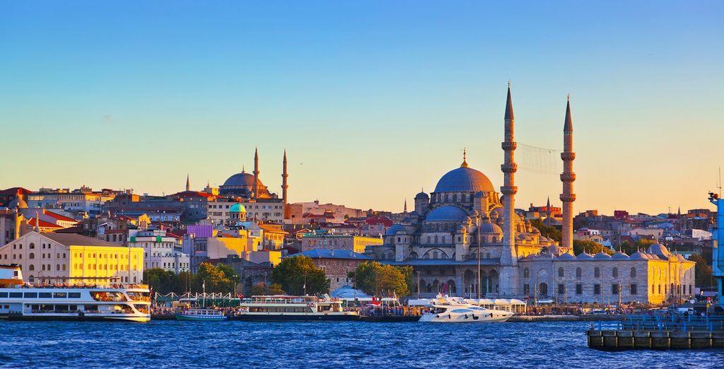 Approfittate di una vacanza meravigliosa per scorprire Istanbul, la città dei due continenti.
