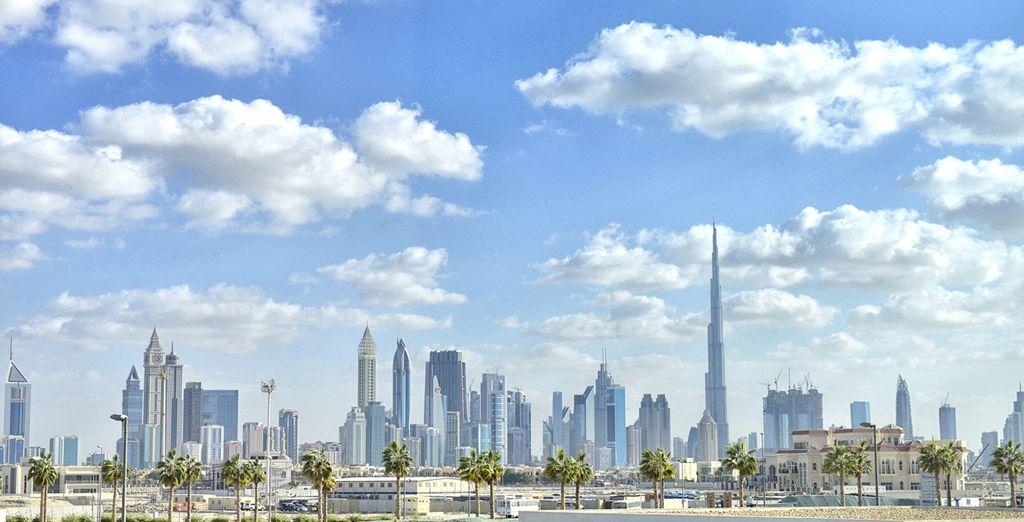 Che vanta viste incredibili sul Golfo Arabico e lo skyline di Dubai