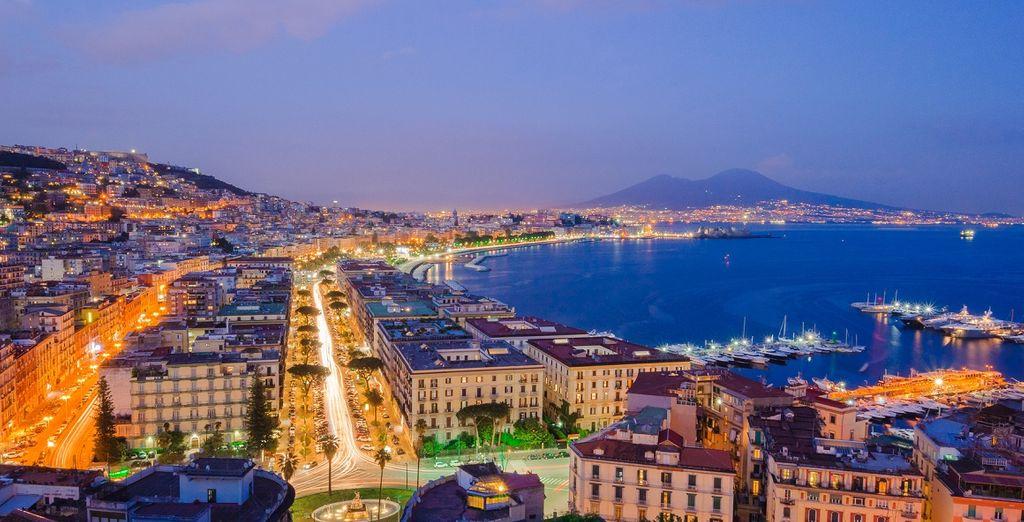 Da ogni angolo potrete ammirare l'immensa bellezza della città partenopea!