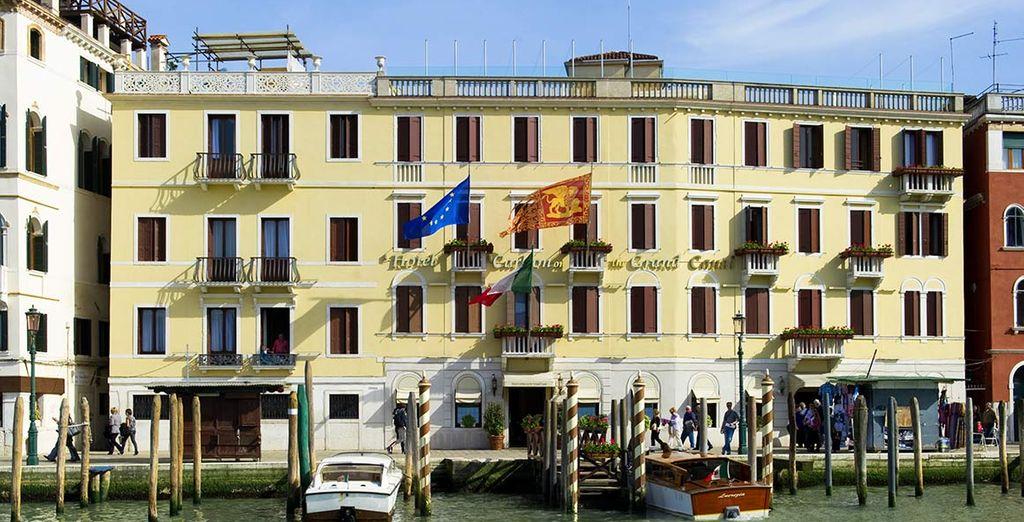 Soggiornate all'Hotel Carlton on the Grand Canal situato in posizione privilegiata