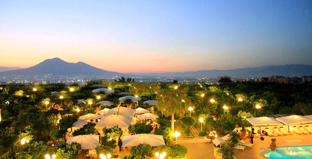 Regalatevi un soggiorno unico con vista sullo splendido Golfo di Napoli