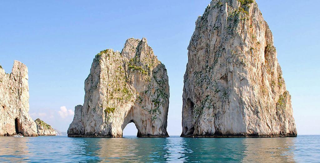 e dall'intramontabile bellezza di Capri.