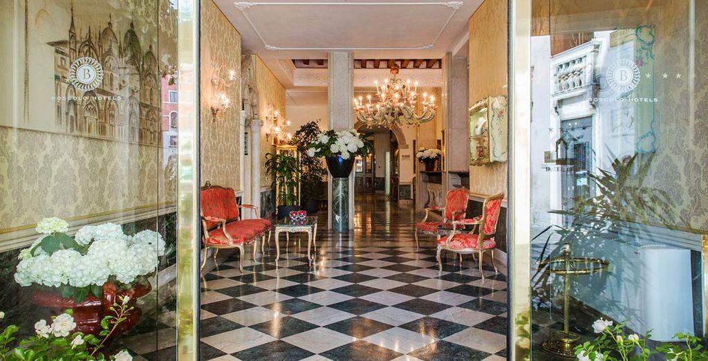 L'elegante Hotel Boscolo B4 Bellini 4* è pronto ad aprirvi le sue porte
