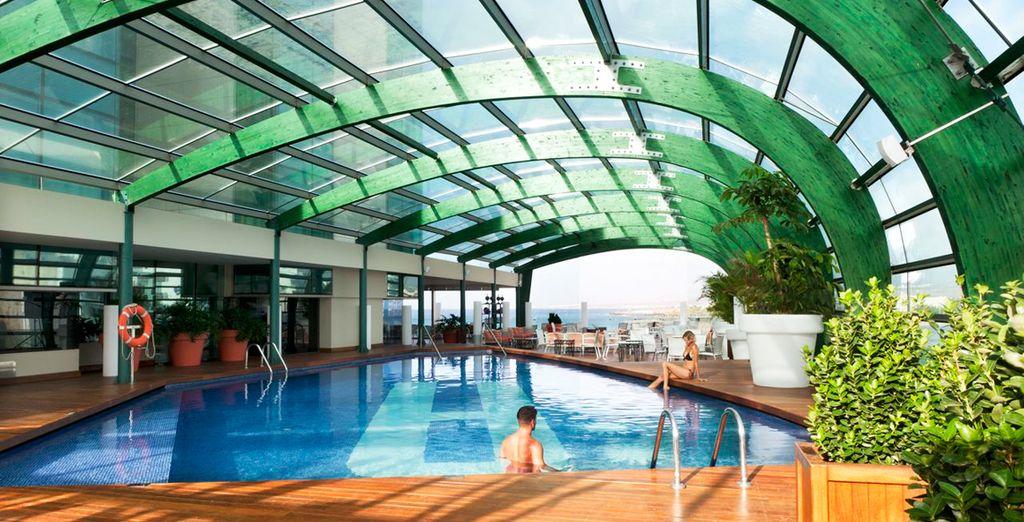 Immergetevi nella rilassante SPA della struttura e rilassatevi nella calda piscina