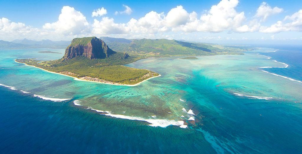 Partirete poi alla volta di Mauritius per vivere un soggiorno esclusivo