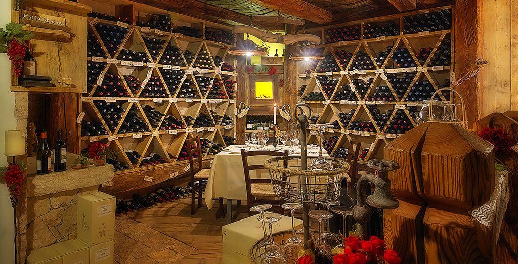 La cantina Caneva dei Boci, con oltre 700 etichette tra cui scegliere per accompagnare le ottime pietanze che vi verranno proposte