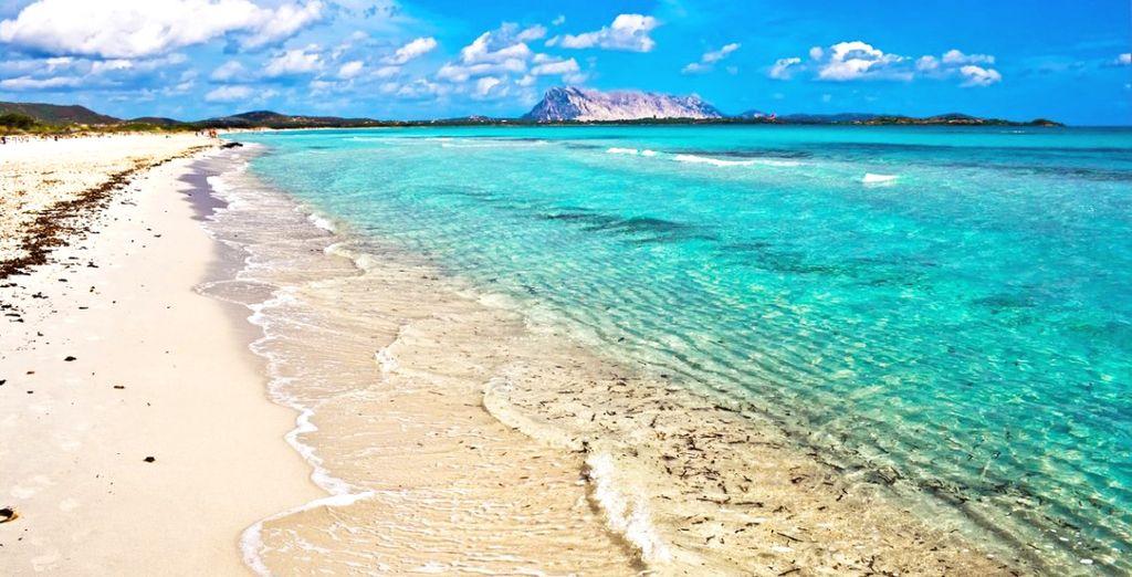 La Sardegna vi aspetta con le sue acque incontaminate