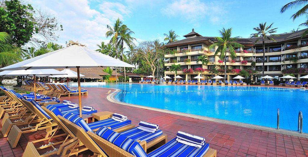 Concedetevi momenti di puro relax presso la piscina