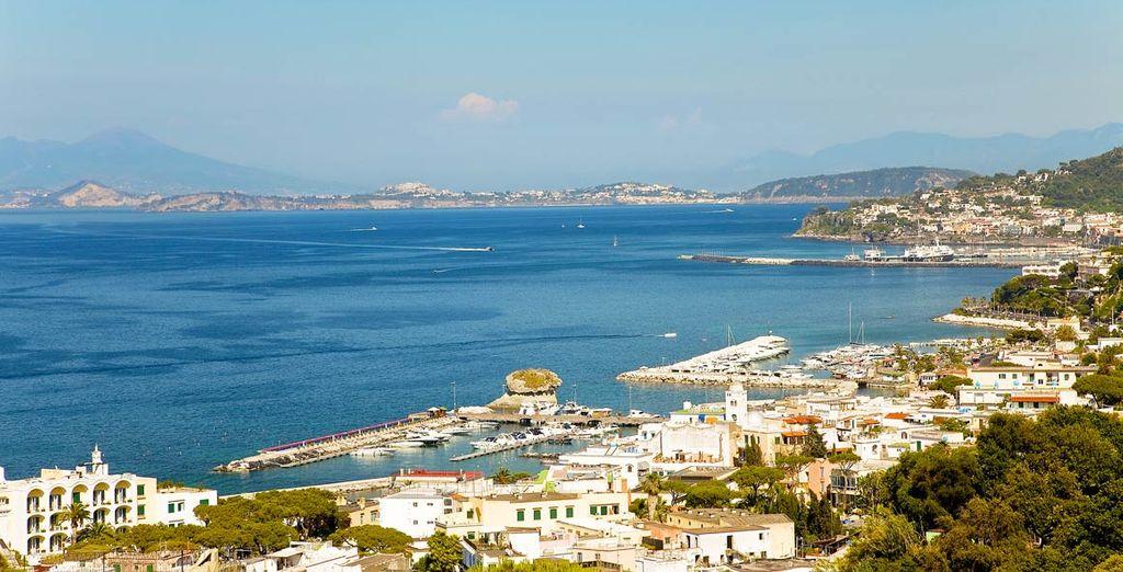 E godetevi i panorami suggestivi di Ischia
