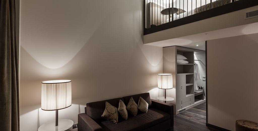una camera spaziosa e accogliente