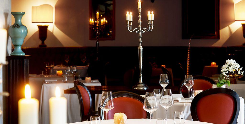o al ristorante, per un'intima cena romantica