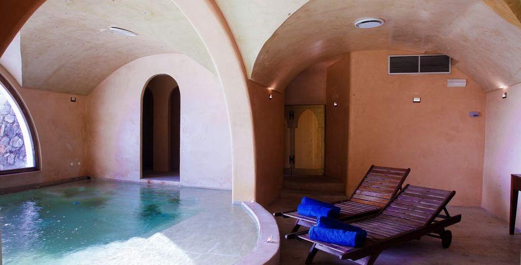 Potrete rilassarvi nella piscina interna