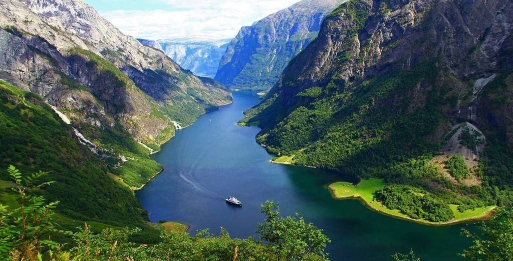 Fotografia dei fiordi e dei loro bellissimi paesaggi naturali in Norvegia - Europa