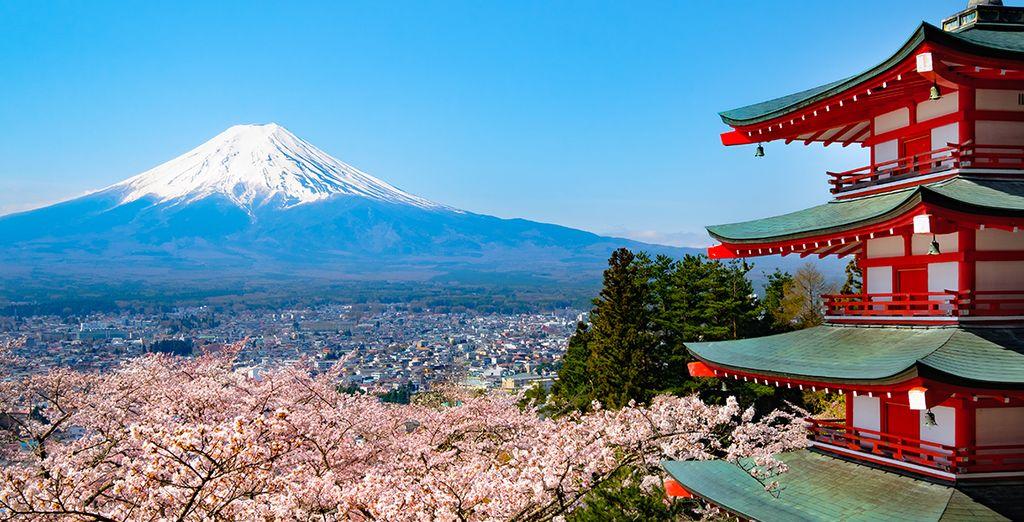 Monte Fuji coperto di neve in Giappone
