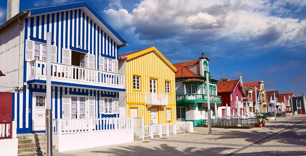 Fotografia della città di Aveiro in Portogallo e le sue case colorate