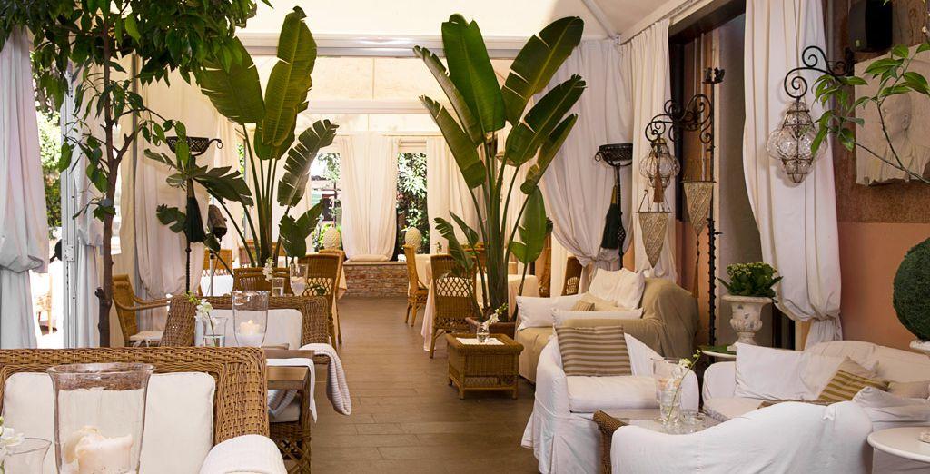 Hotel a cinque stelle lusso con zona relax e ristorante gourmet nel cuore di Venezia