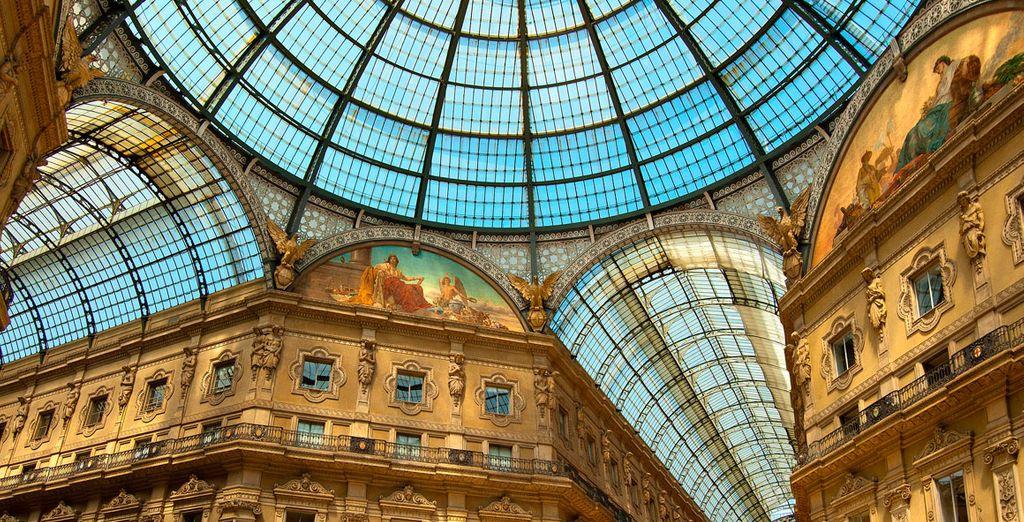 Shopping alla Galleria Vittorio Emanuele II a Milano