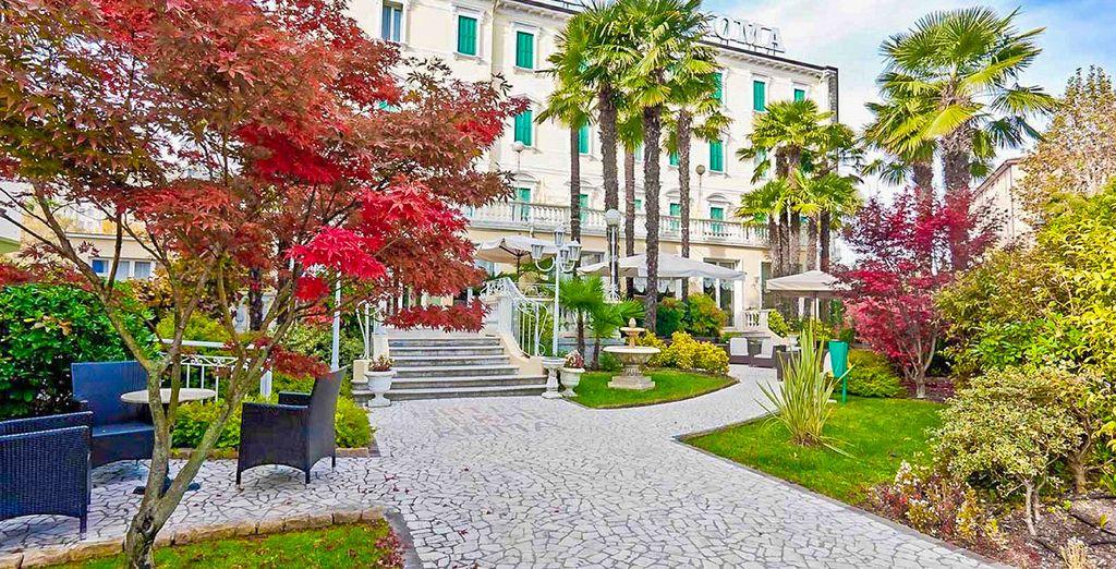 Hotel quattro stelle di alta gamma a Roma con giardino