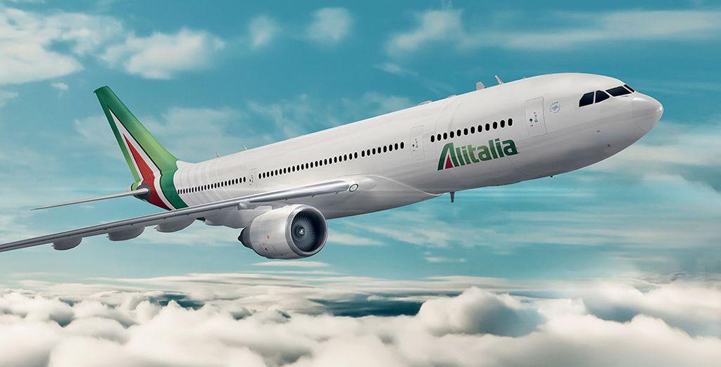 Raggiungerete Abu Dhabi viaggiando a bordo degli aeromobili Alitalia completamente rinnovati