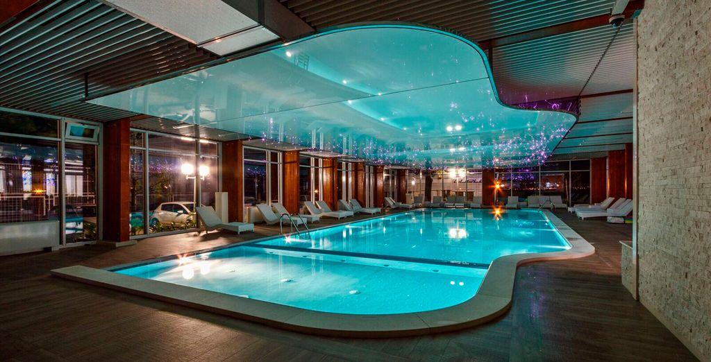 Hotel delfin bijela hotel osmine voyage priv fino a 70 - Piscina al coperto milano ...