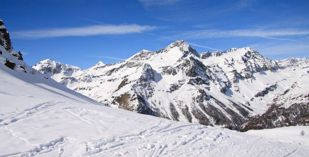 Ammirate l'imponente bellezza del Monte Rosa