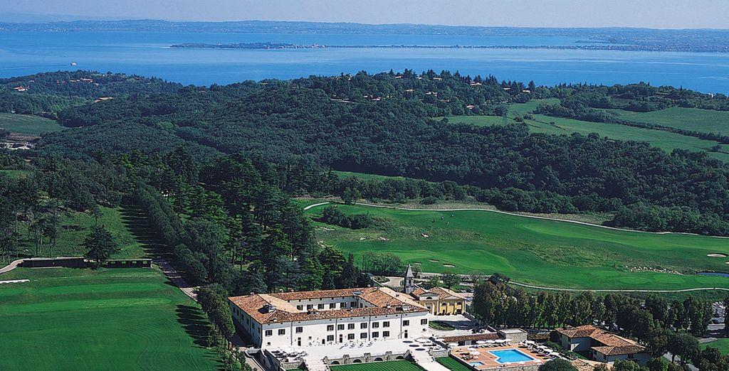 Il Palazzo Arzaga Hotel Spa & Golf Resort 5* vi da il benvenuto sul Garda